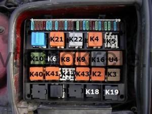 bmw-e34-blok-kapot